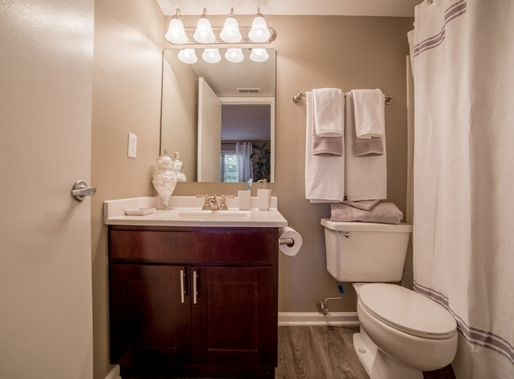 Bathroom in 2B-2BR Apartment at Northlake Village