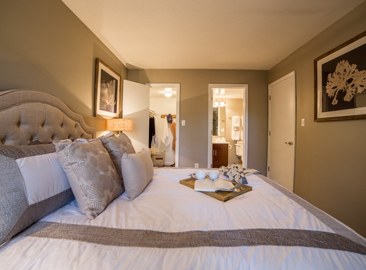 Master Bedroom in 2B-2BR Apartment at Northlake Village