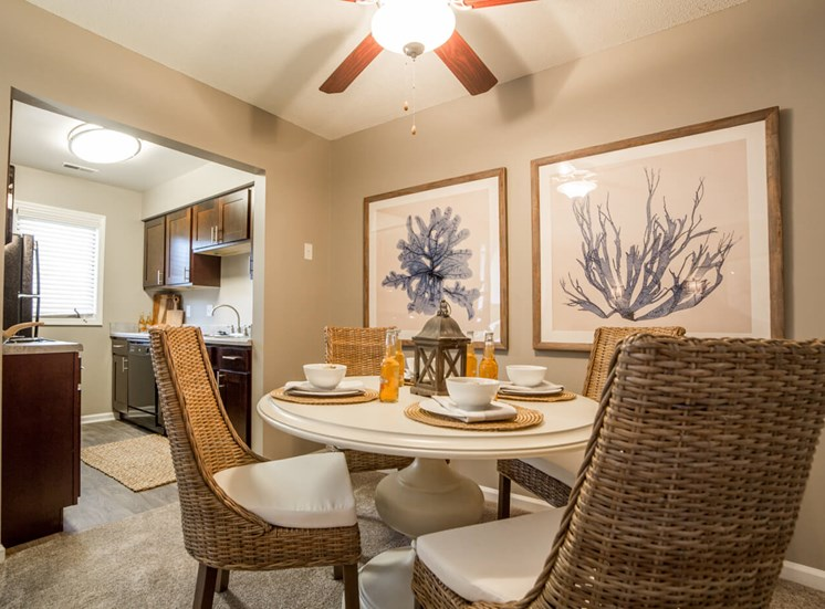 Dining Area in 2B-2BR Apartment at Northlake Village