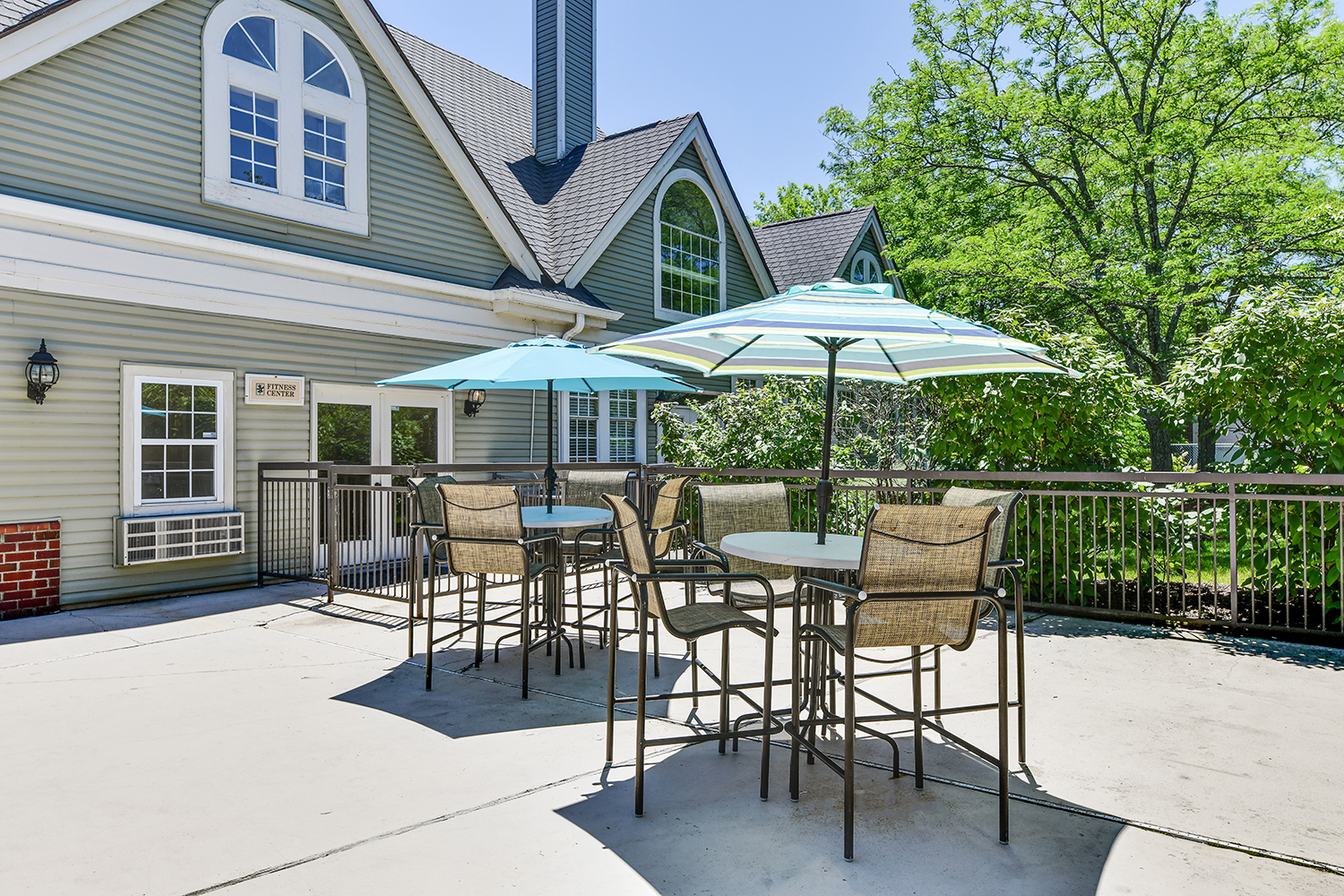 Picnic and BBQ Area at Patchen Oaks Apartments, Kentucky