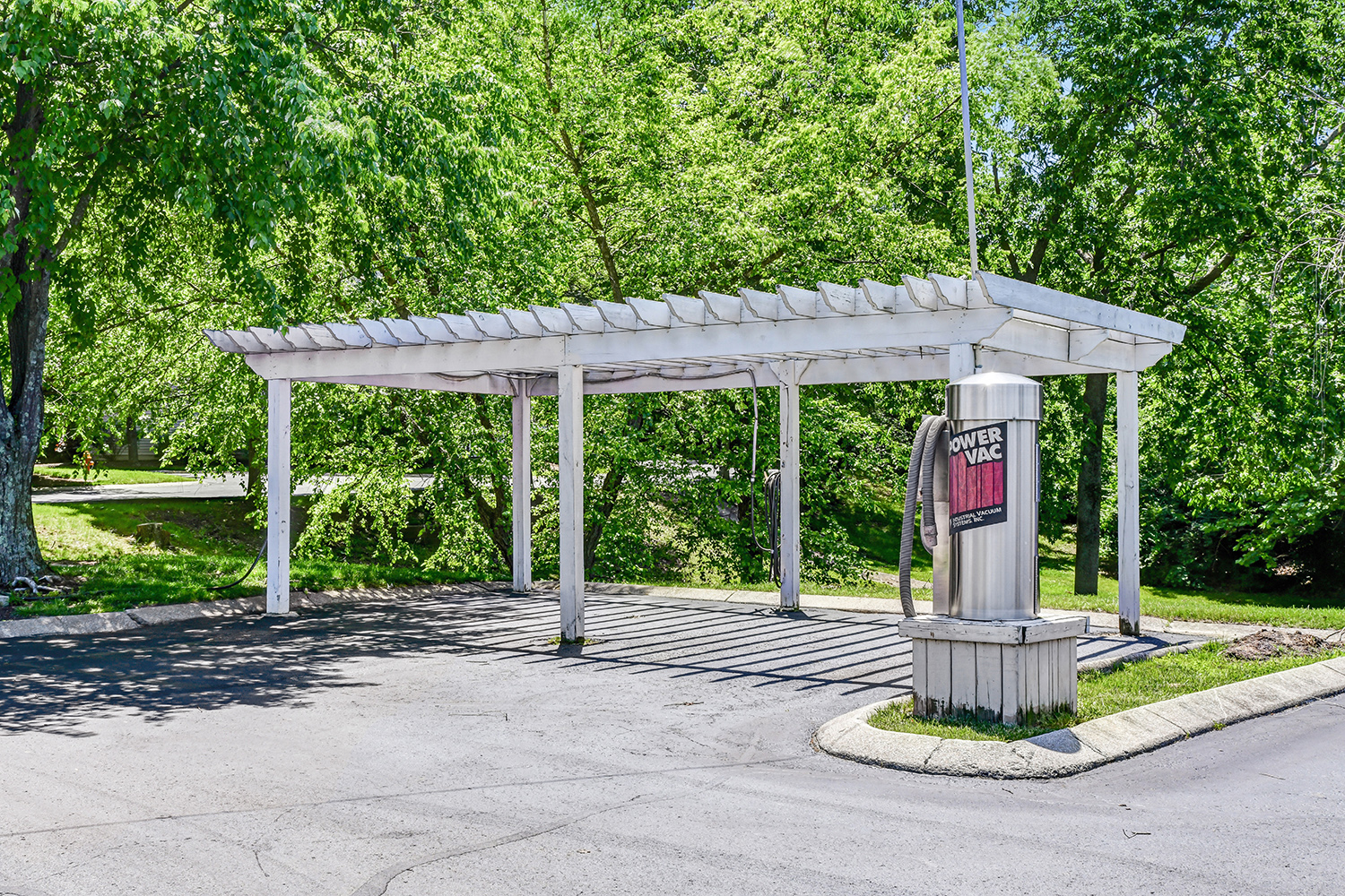 Car Wash Station at Patchen Oaks Apartments, Kentucky