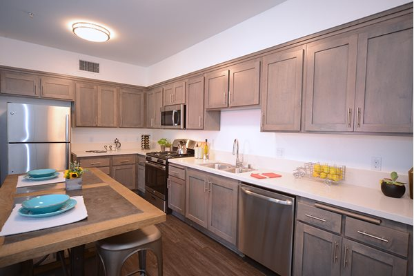 Yolo Apartments in Thousand Oaks - Stainless Steel Appliances
