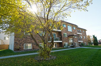375 83rd Avenue 2-3 Beds Apartment for Rent Photo Gallery 1