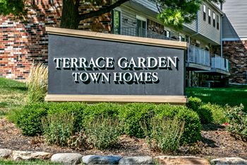 10100 Grand Plaza 2-3 Beds Townhouse for Rent Photo Gallery 1