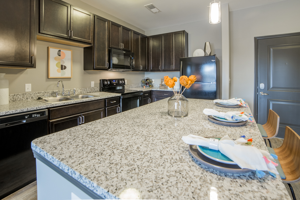 Granite Countertops Throughout. Mosaic At Levis Commons Apartments In  Perrysburg, OH Near Toledo ...