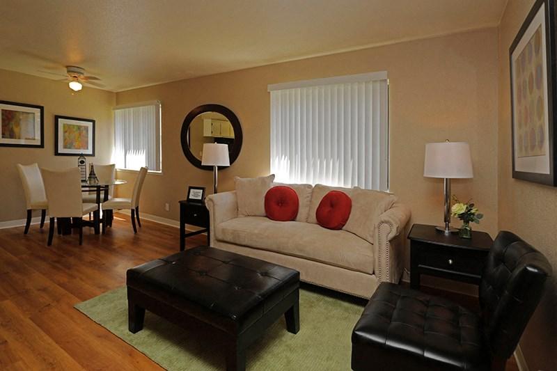 Acacia | Chico CA | Apartments | Living Room
