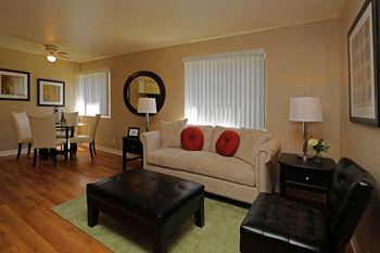 808 West 2nd Avenue 2 Beds Apartment for Rent Photo Gallery 1