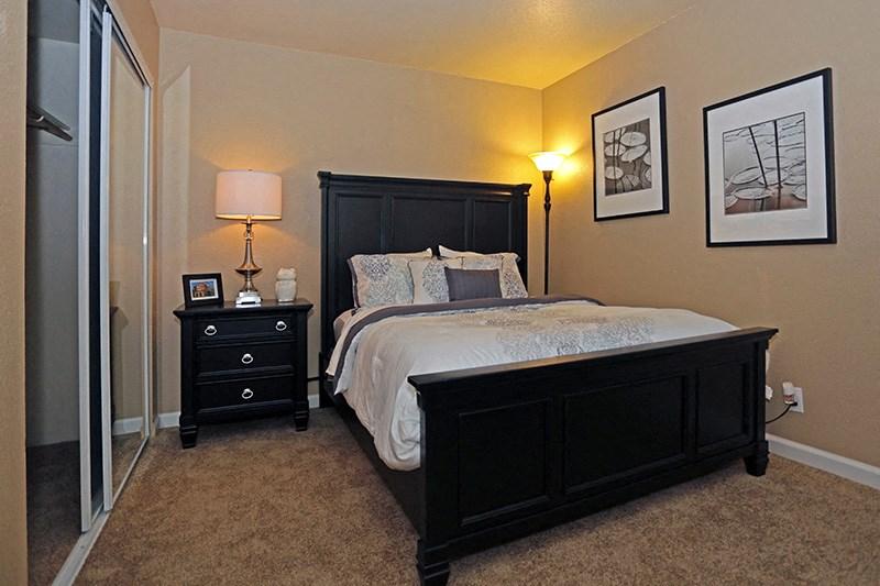 Acacia | Chico CA | Apartments | Master Bedroom