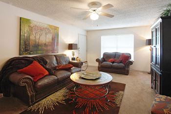 2A Eagle Hill Drive 1-2 Beds Apartment for Rent Photo Gallery 1