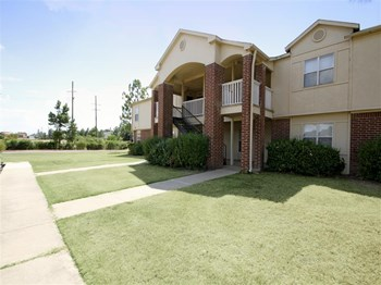 333 Links Drive, Club #101 1-2 Beds Apartment for Rent Photo Gallery 1