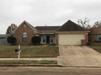 6577 Cross Oak Dr 3 Beds House for Rent Photo Gallery 1