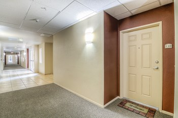 661 N Rose Dr 1-2 Beds Apartment for Rent Photo Gallery 1