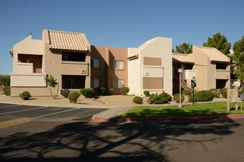 10654 N 60th Ave 1-2 Beds Apartment for Rent Photo Gallery 1