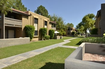 6505 E Osborn Rd Studio-2 Beds Apartment for Rent Photo Gallery 1