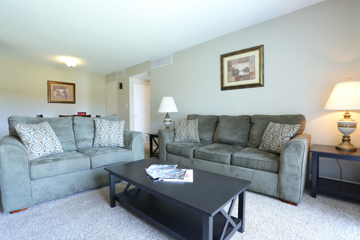 Living Room At The Fields One Center Apartments In Montgomery AL
