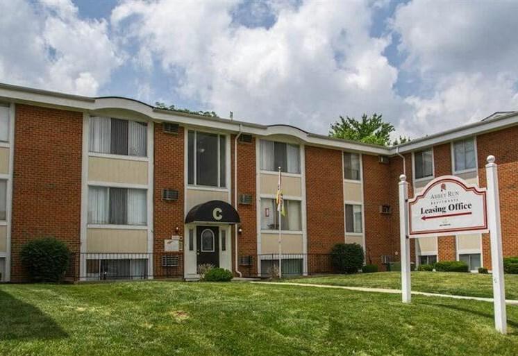 Apartments in Toledo  Sign