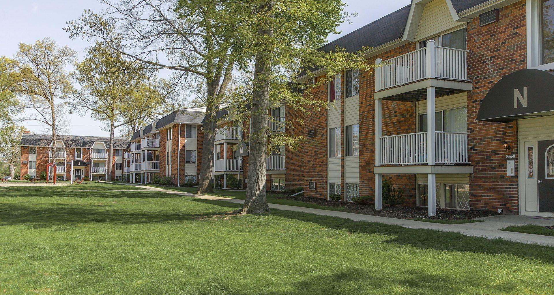 Exterior at Sunnydale Estates Apartments | Toledo, OH