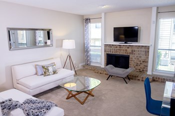 1001 W. Park Blvd. 1-2 Beds Apartment for Rent Photo Gallery 1