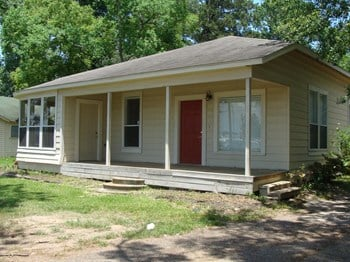 403 AUSTIN RD 4 Beds House for Rent Photo Gallery 1
