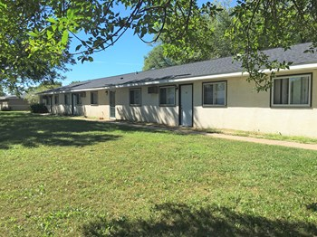 1745 La Crescent St. 1 Bed Apartment for Rent Photo Gallery 1