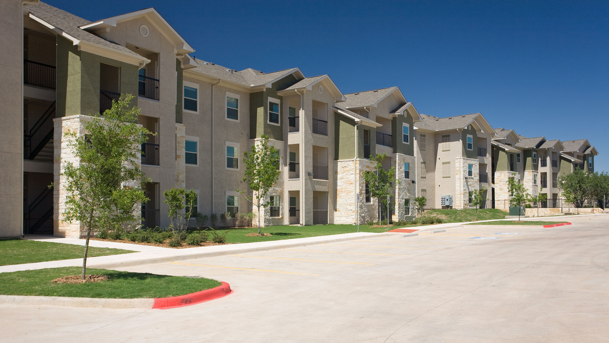Renovated Apartment Homes Available At Fox Hill, Austin, TX 78736