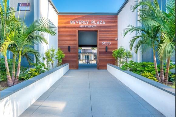 Beverly Plaza Apartments, 2000 Park Avenue, Long Beach, CA ...
