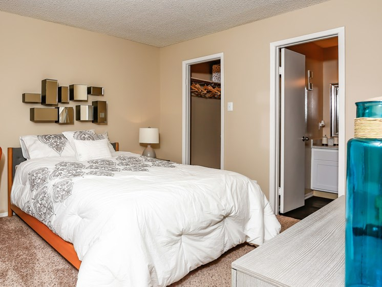 Spacious Bedroom With Closet at The Adelaide, Orlando