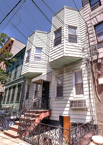 607 Adams Street Studio Apartment for Rent Photo Gallery 1