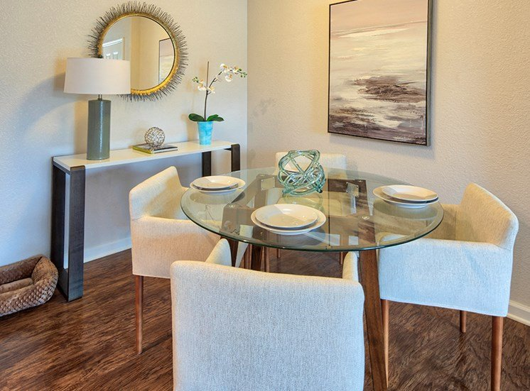 Virginia Beach Luxury Apartments Dining Area