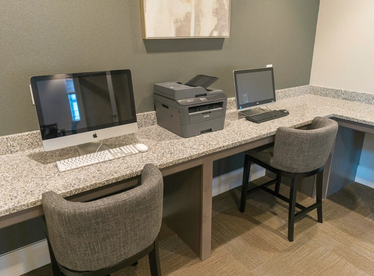 The Choices at Holland Windsor Apartments Business Center