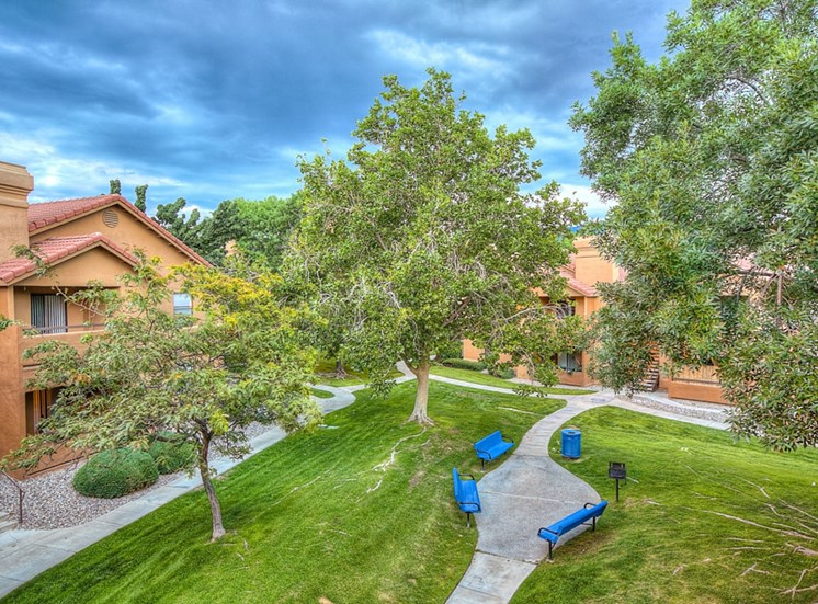Beautifully Landscaped Groundsat The Overlook Apartments, NM, 87111