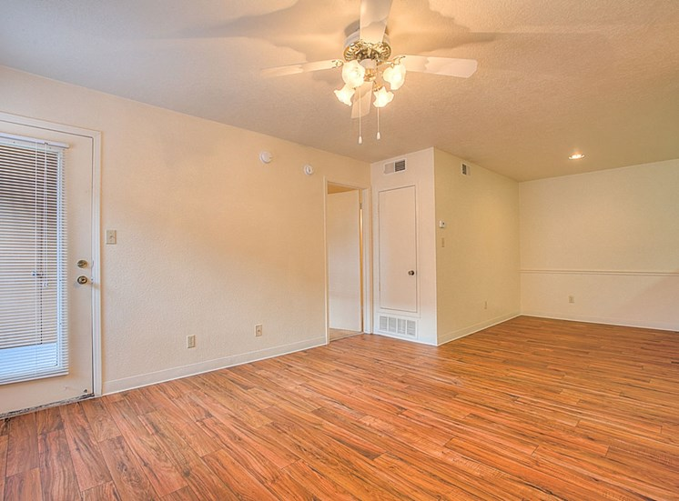 Spacious Layout at The Overlook Apartments, Albuquerque, NM