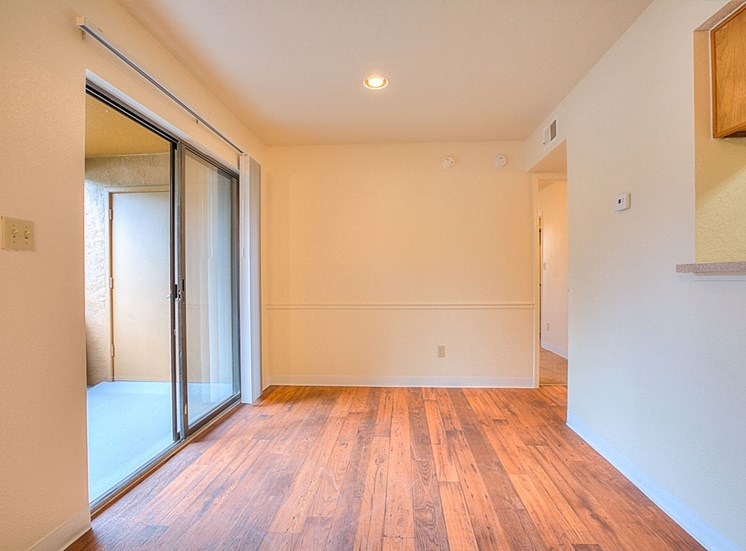 Dining Space at The Overlook Apartments, NM, 87111