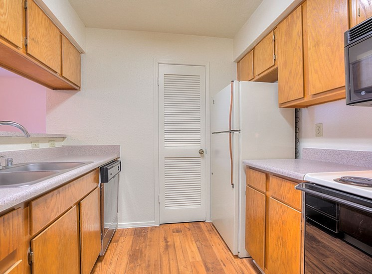 Fully equipped kitchen at The Overlook Apartments, Albuquerque, 87111