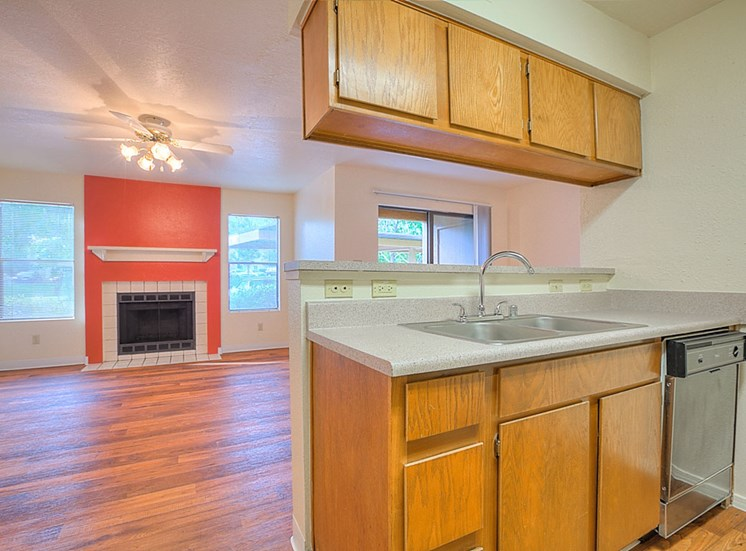 Gourmet Kitchen with Breakfast Bar and Pantry at The Overlook Apartments, 6200 Eubank Blvd NE