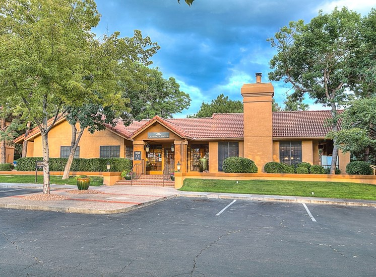 Resort Style Community at The Overlook Apartments, Albuquerque, New Mexico