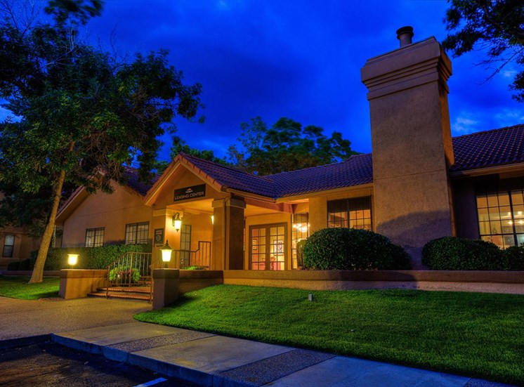 Renovated Apartment Homes Available at The Overlook Apartments, New Mexico, 87111