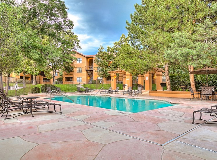 Pool Side Relaxing Area at The Overlook Apartments, NM, 87111