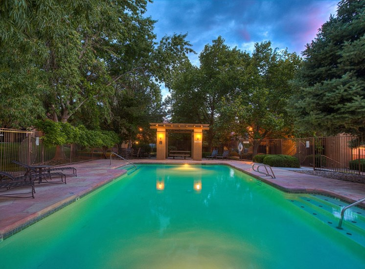 Large Swimming Pool at The Overlook Apartments, Albuquerque, 87111