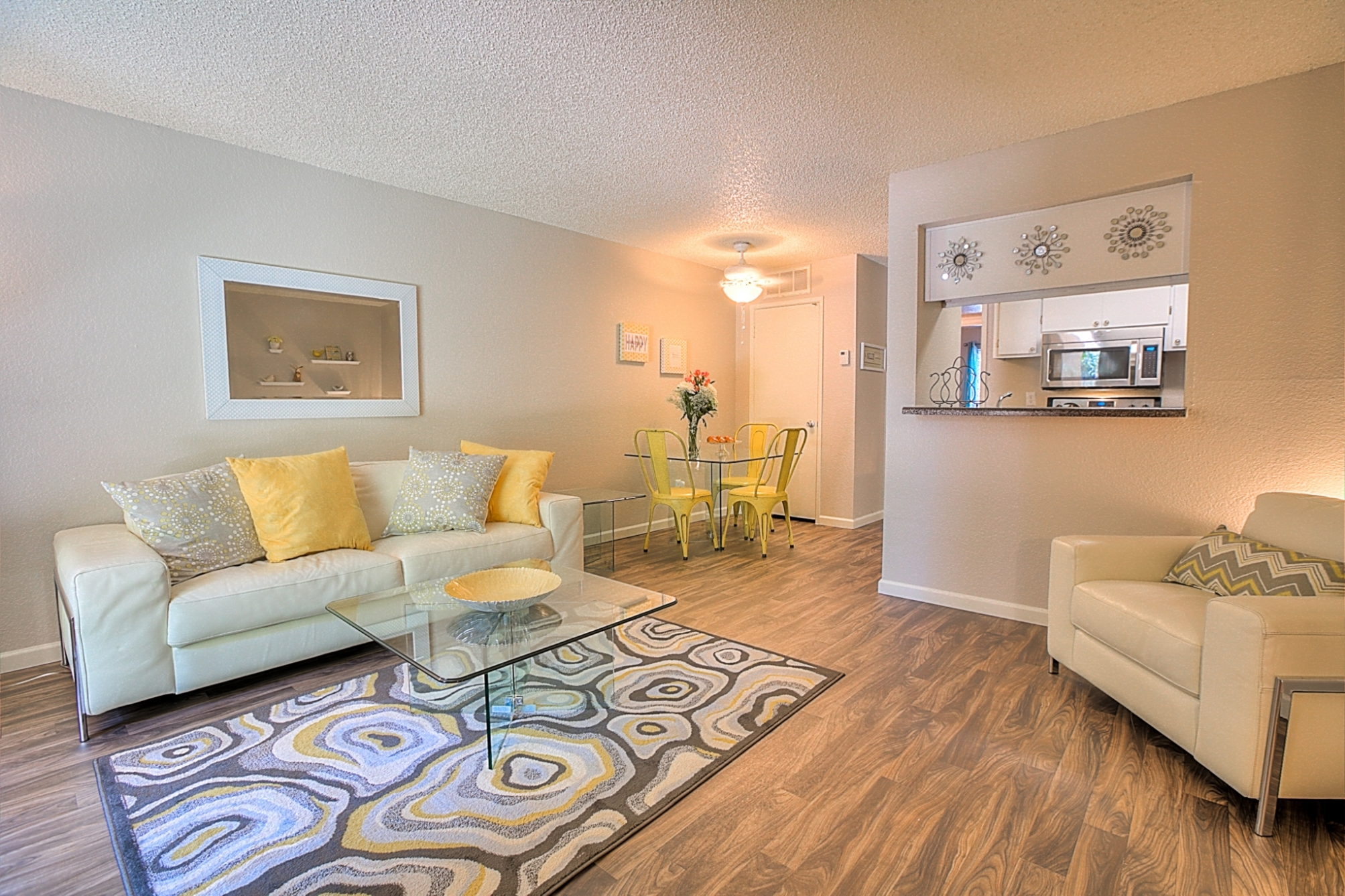 Luxurious Living Room With Modern Amenities at Eagle Pointe Apartments, 4401 Morris Street NE