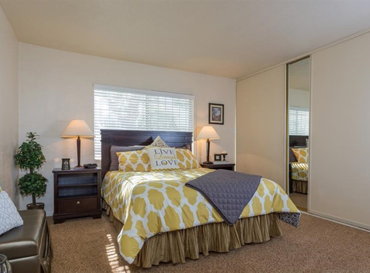 Live in Cozy Bedrooms at The Towers Apartments, Albuquerque, 87109