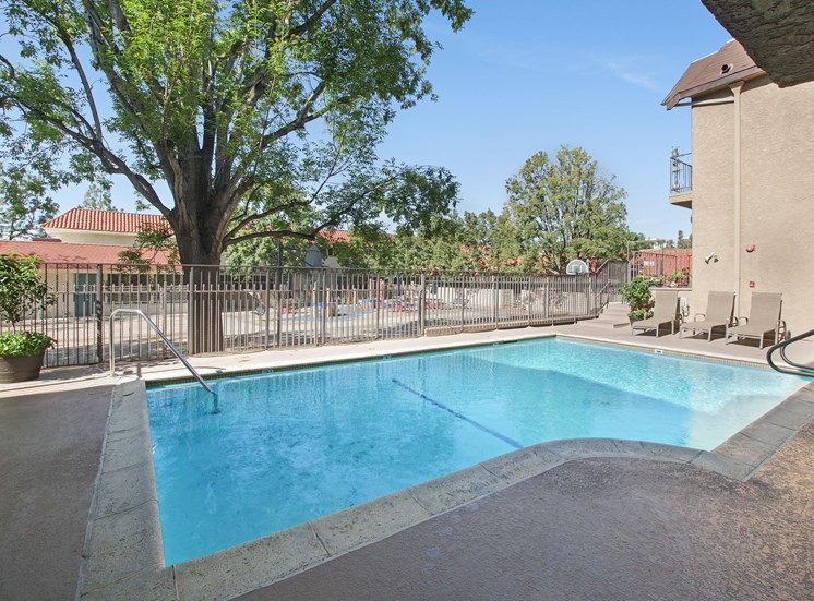 Swimming Pool And Sundeck at Superior Place, Northridge, CA
