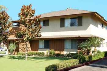 17091 Kenyon Drive 3 Beds Apartment for Rent Photo Gallery 1