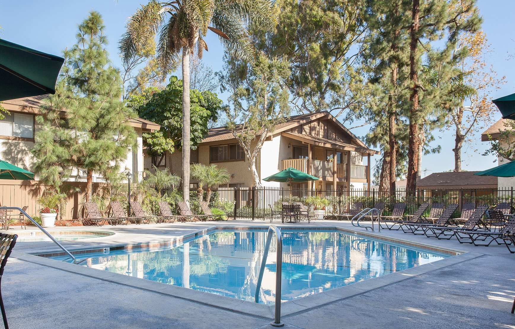 Walnut east apartments in tustin ca for 3 bedroom apartments in tustin ca