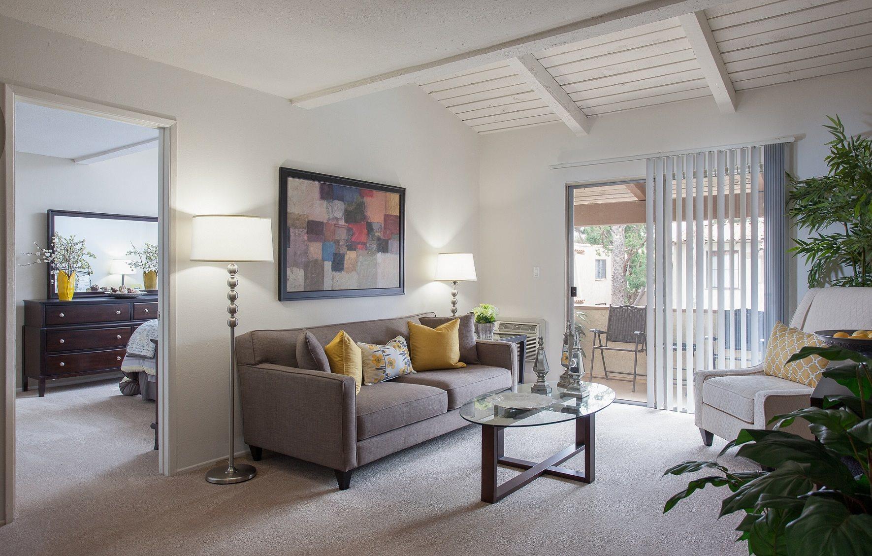 Villa viento apartments in tustin ca for 3 bedroom apartments in tustin ca