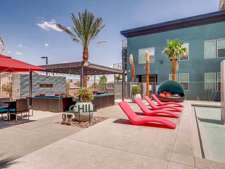 Apartments for Rent in Las Vegas -The Mercer Modern Outdoor Lounge With stylish decor