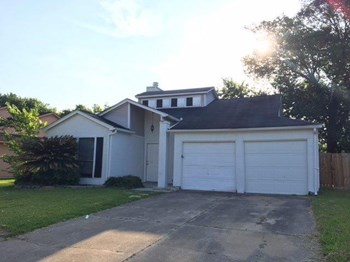 6830 Heather Hollow Dr 3 Beds House for Rent Photo Gallery 1