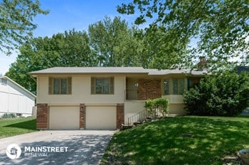 132 SW 27Th St 3 Beds House for Rent Photo Gallery 1