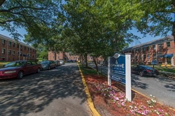 4008 38th Street 1-2 Beds Apartment for Rent Photo Gallery 1