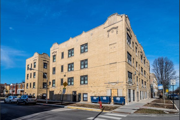 418 S Laramie Ave Apartments Chicago Exterior